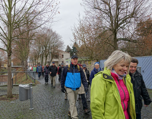 Zwischen Schloss und Gersprenz