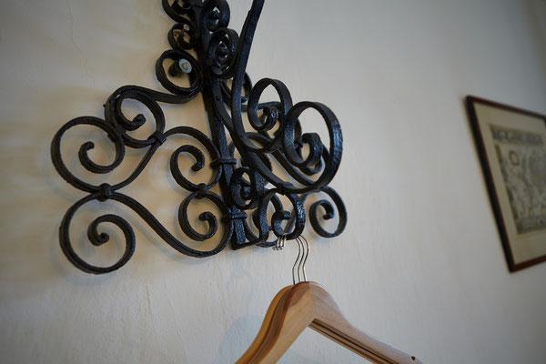 Detail Garderobenhalter Zimmer 1