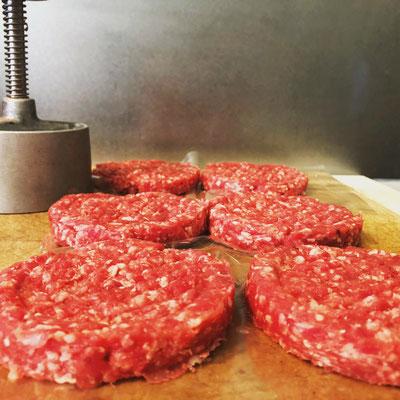 Burger Parties - frisch gewollt aus der Rinderschulter vom Münsterländer Weiderind