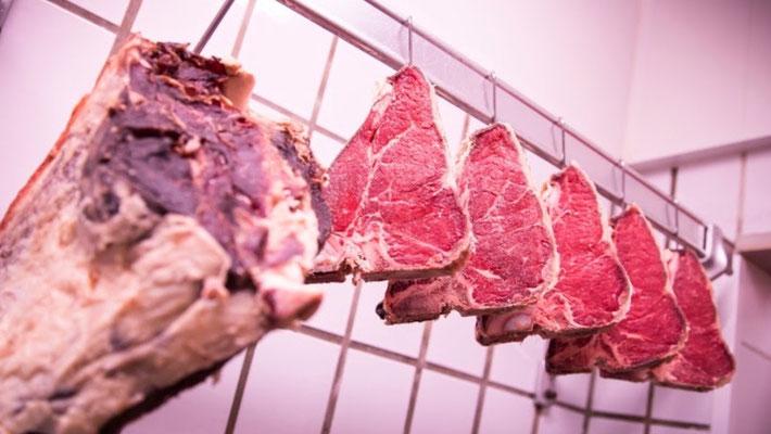Fleischerei Eckart - beste abgehangene Steaks vom Weiderind
