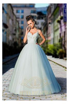 Brautkleid Prinzessin mit Perlen bestickt Iryna Kotapska Brautmoden Per Sempre