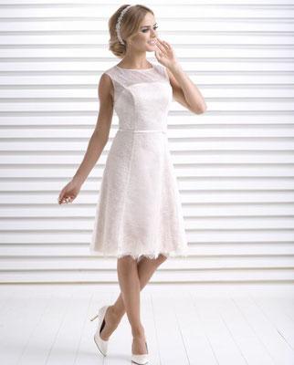 Brautkleid kurz mit Spitze Bianco Evento Brautmoden Per Sempre