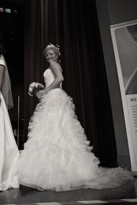 schwarz/weißaufnahme Brautkleider