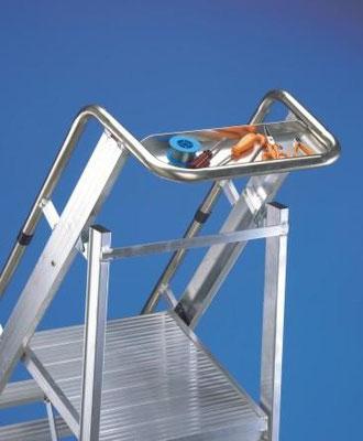Amplia plataforma de trabajo 45x50cm. Amplia bandeja portaherramientas