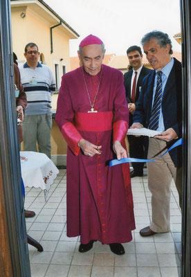 17 aprile 2010 - Inaugurazione del nuovo assetto del Museo - taglio del nastro da parte di mons. Mauro Virgilio Ferrari