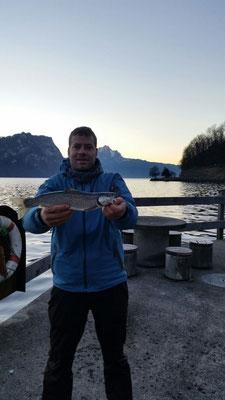 Hart erkämpfter Fisch. Petri Maik zum Eröffnungs-Silber!!!
