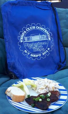 In Kartoffelsalat gehört Mayonaise! Dazu noch ein Täschlein von den Belgian Vespa Days 2014 in Oostende.