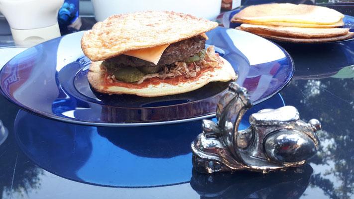 Ooppsies - die gluten- und ww-punktefreie Burgerbrot-Variante. Dank an Christine fürs Rezept.