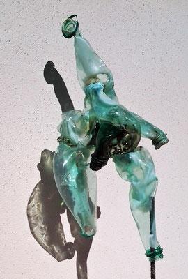 sculpture plastique PET H45cm x 23cm