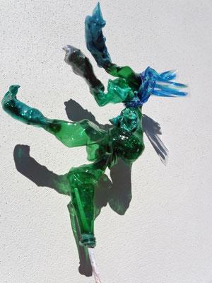 La chute - sculpture plastique PET H40cm x 35cm