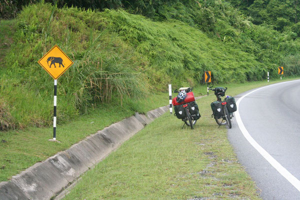 Cycling East-West-Highway - Perak Province - Northern Malaysia