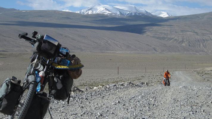 Approaching Hargus Pass 4,344 m - Tajikistan