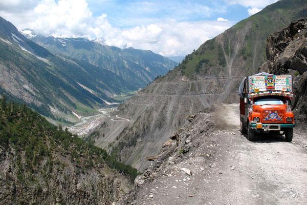 Oncoming Tata truck - Zoji La - Kashmir