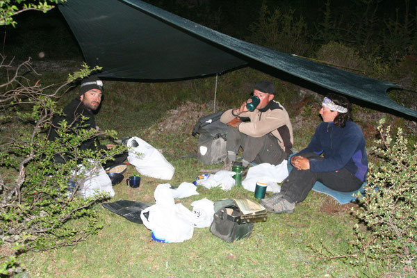 Tole, Mewes and Astrid - Camp at Rio Baker - Carretera Austral