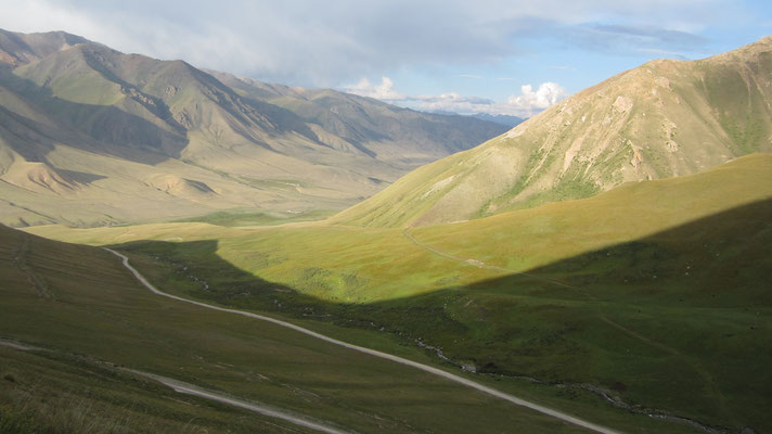 Descending northeast of Song-Kul Lake - Kyrgyzstan