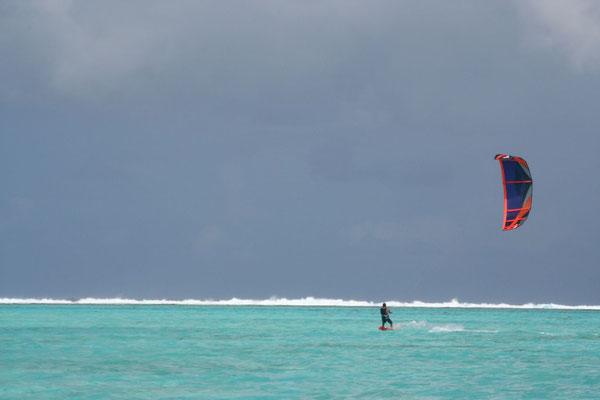 Kitesurfing the lagoon - Bora Bora
