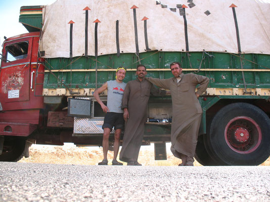 Having lunch with two truck drivers - Syria