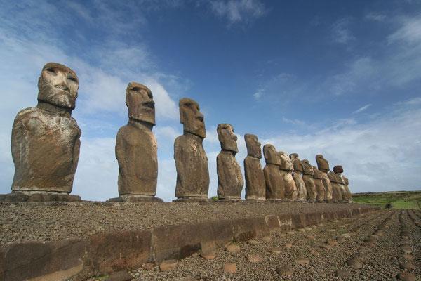 Moai - Ahu Tongariki - Easter Island