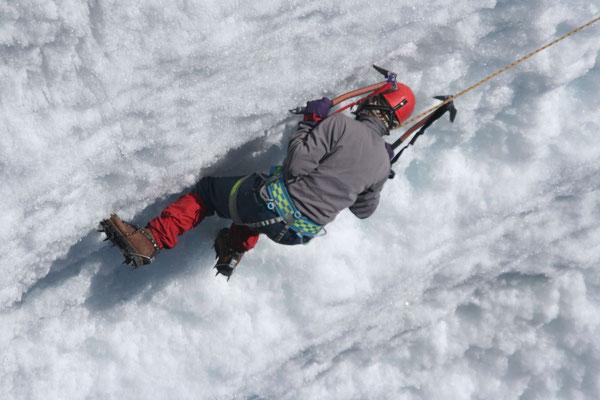 Ice climbing - Pastoruri Glacier - Cordillera Blanca