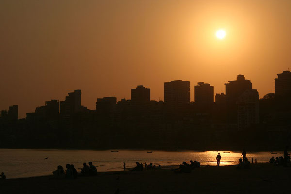 Sunset at Chowpatty Beach - Mumbai - Maharashtra