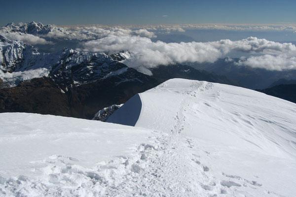 Tocclaraju summit 6,034 m - Cordillera Blanca