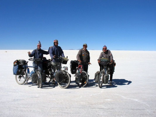 Jeannette, Gerrit, Harald and me entering Uyuni Saltlake