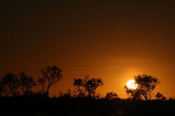 Outback sunset - Stuart Highway - Northern Territory