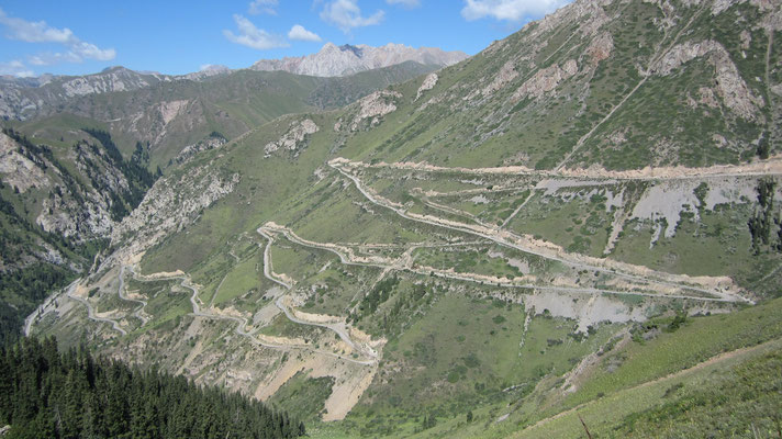 Climbing the hairpin-bends to Song-Kul Lake - Kyrgyzstan