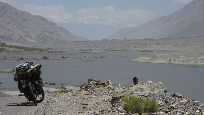 Wakhan Valley and Hindukush Range - Tajikistan, Afghanistan and Pakistan