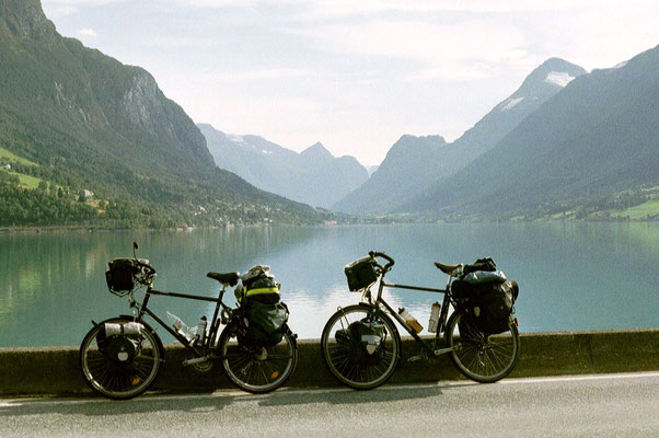 Cycling Innvikfjorden - Western Norway