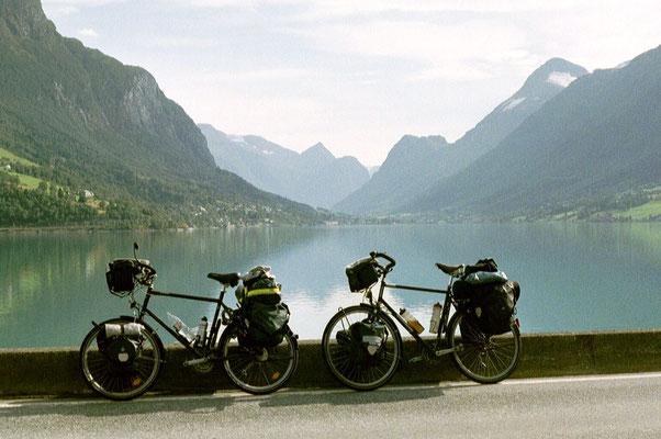 Cycling Innvikfjorden - Western Norway