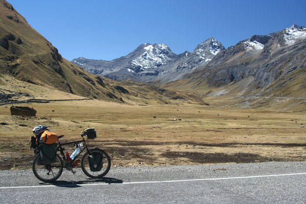 Road to Huallanca - Southern Cordillera Blanca