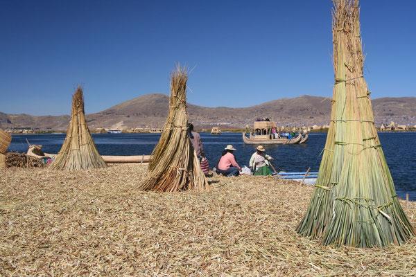 Uros Islands - Lago Titicaca 3,808 m - Southeastern Peru