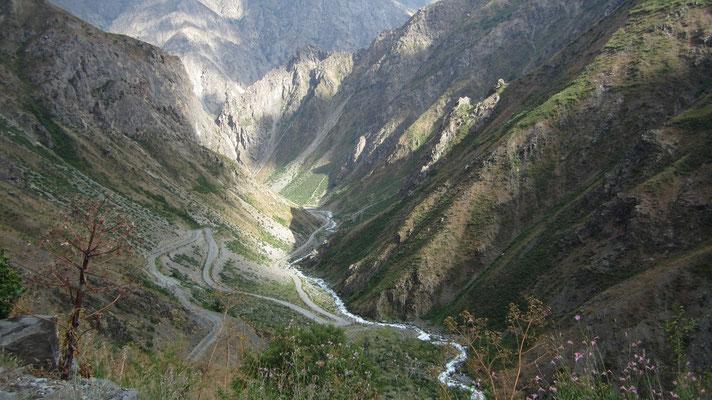 Sagirdast Pass 3,252 m - Pamir Highway - Tajikistan