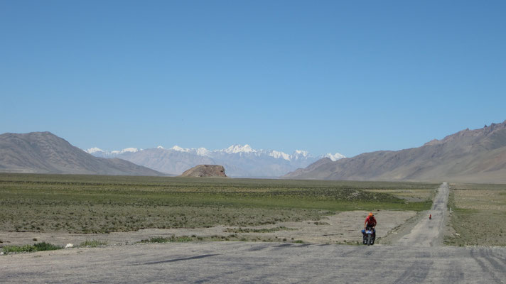 Pamir Highway - southeastern Pamir - Tajikistan