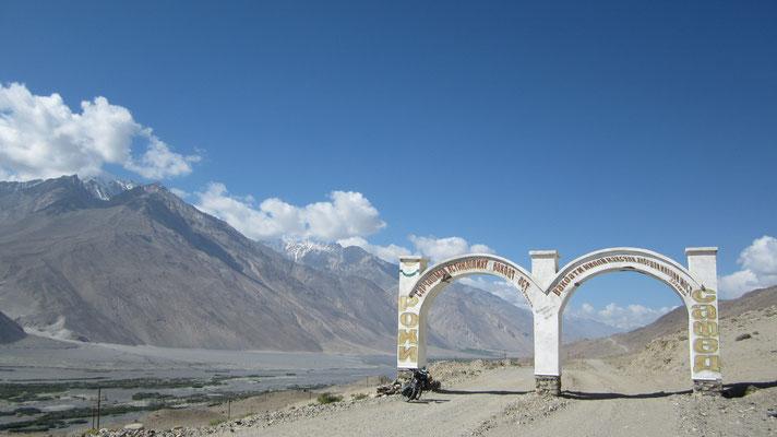 Wakhan Valley east of Ishkashim - Hindukush Range - Afghanistan