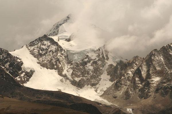 Huayna Potosi - 6,088 m - Cordillera Real