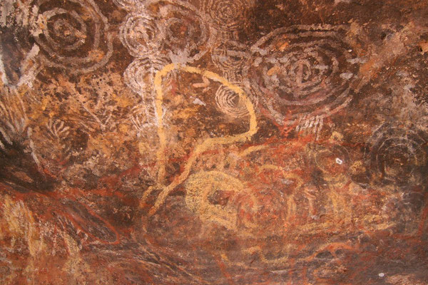 Aboriginal paintings - Uluru - Northern Territory