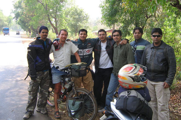Indian motorbikers - South of Mumbai (Bombay) - Maharashtra