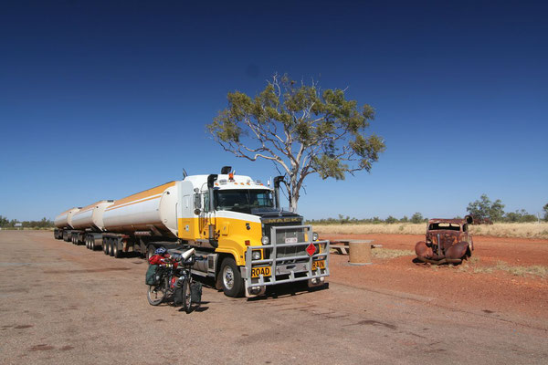 Road train - Wauchope Roadhouse - Northern Territory