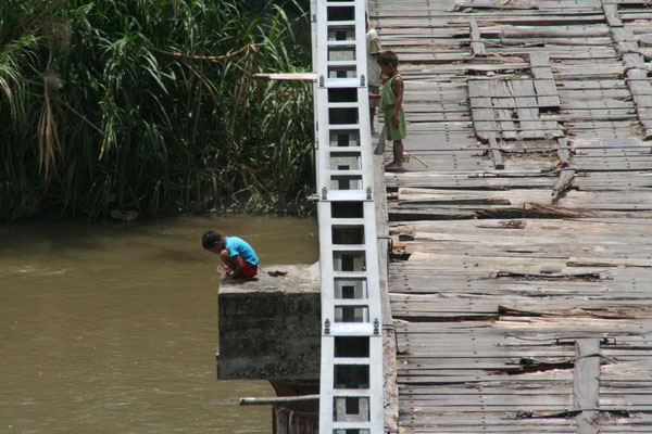 Bridge north of Padangsidempuan - Northern Sumatra