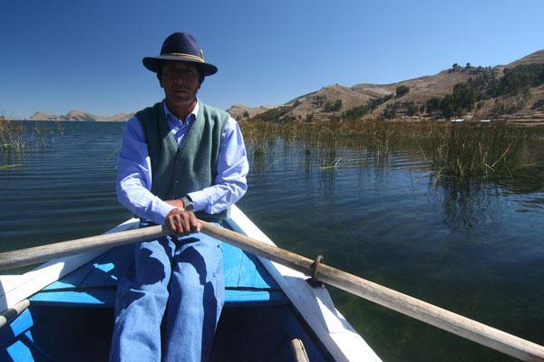 Rowing boat to Isla del Sol - Lago Titicaca