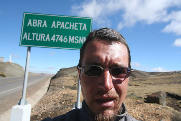 Heading for Pisco - Abra Apacheta 4,746 m - Southwestern Peru