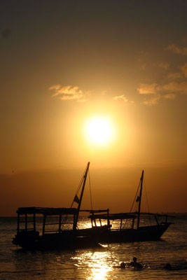 Sunset at the beach - Zanzibar Town