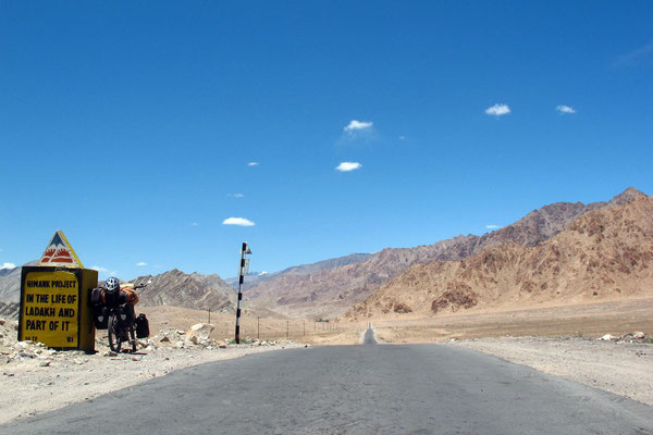 Cycling Leh-Srinagar-Highway - Ladakh