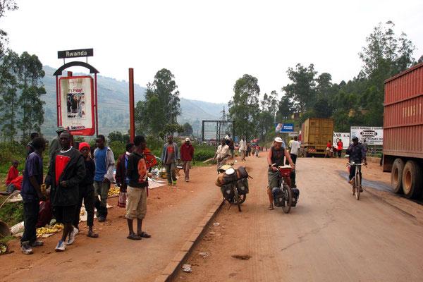 Entering Rwanda - North of Byumba - Northern Rwanda