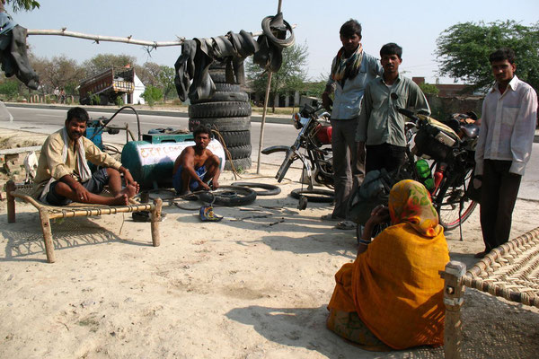 Pressure for the tyres - West of Allahabad - Uttar Pradesh