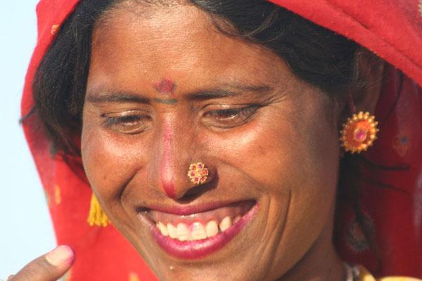 Rajasthani woman - Sam Sand Dunes - Rajasthan