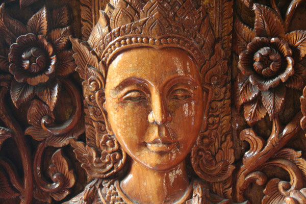 Wood carving at Wat Buppharam - Chiang Mai