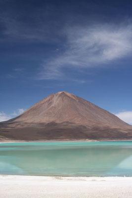 Volcano Licancabur - Laguna Verde